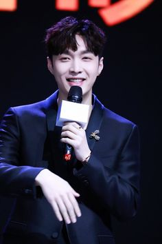 180131 #Lay #Yixing #Exo at huangbo Press Conference