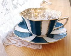 Cup And Saucer Shelley Teal And White Stratford Gold Overlay Border Drake's Neck 1964-1966