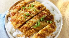 A pork tonkatsu is best enjoyed with a hefty serving of rice and a tasty sauce on the side. It's a breaded pork chop that is fried until golden and crunchy. Pork Tonkatsu Recipe, Tonkatsu Sauce, Pan Fried Pork Chops, Pork Cutlets, Filipino Recipes, Asian Recipes, Japanese Recipes, Filipino Food, Asian Foods