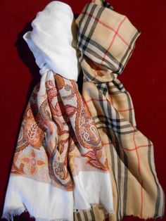 Schals aus echtem Kaschmir von der Kaschmirziege Plaid Scarf, Fashion, Goat, Cashmere, Scarves, Nice Asses, La Mode, Fashion Illustrations, Fashion Models