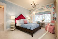 20 Captivating Bedrooms With Floral Wallpaper Designs   Home Design Lover