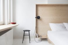 Happy Guesthouse in Brussels, designed by Julien Renaul and Atelier Dynamo Remodelista Minimalist Bed, Minimalist Home Decor, Inspiration Design, Daily Inspiration, Pharrell Williams, Luxurious Bedrooms, Home Decor Bedroom, Home Remodeling, Furniture Design