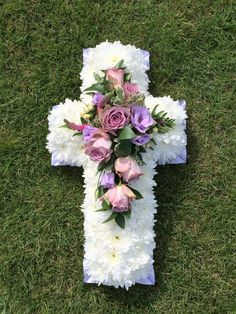Traditional Chrysanthemum based Cross - available in a choice of colours li Grave Flowers, Cemetery Flowers, Church Flowers, Funeral Flowers, Funeral Floral Arrangements, Rose Flower Arrangements, Modern Floral Arrangements, Funeral Sprays, Cemetery Decorations