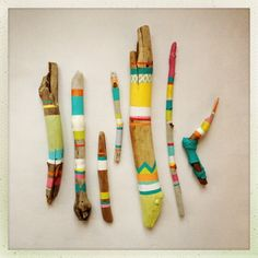Loving the painted driftwood! ;)