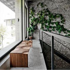 Le banc Ripples by HORM.IT est fabriqué à partir d'un composite stratifié de 5 bois massifs différents  #Home #Woody #Design #Designer #Interiordesign #HORM.IT