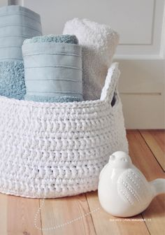 Crochet Basket #ElleYarns #CottonOn #Crochet #Cotton #White