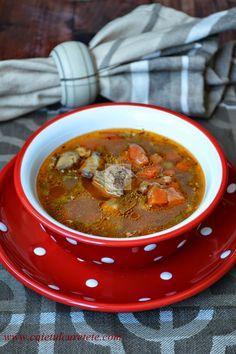 Ciorba de vacuta Soup Recipes, Cooking Recipes, Kinds Of Soup, Romanian Food, Romanian Recipes, Tasty, Yummy Food, No Cook Meals, Soups And Stews
