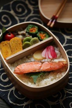 やっと見つけた巨大わっぱでお弁当★4月18日(金)  ちきぽんオフィシャルブログ「おいしい毎日しあわせごはん」Powered by Ameba