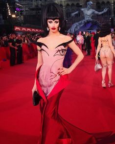 Throwback to When Aquaria Walked the 2017 Life Ball Red Carpet Wearing Gianni Molaro : rupaulsdragrace Drag Queen Costumes, Drag Queen Outfits, Couture Fashion, Runway Fashion, High Fashion, Weird Fashion, Editorial Fashion, Glamour, Style Inspiration