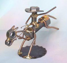Cet article n'est pas disponible - Welding Projects about you searching for. Welding Crafts, Welding Art Projects, Metal Art Projects, Metal Crafts, Metal Yard Art, Scrap Metal Art, Art Fer, Garage Furniture, Metal Art Sculpture