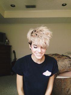 I wanna cut my hair like this <3
