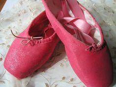 DANUSHAROSE Vintage Magical RARE COLOR Pink Rose Red Ballet Pointe Toe Shoes