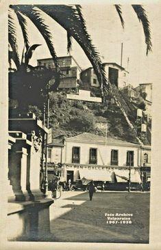 Valparaíso Chile 🇨🇱 Plaza Aníbal Pinto y Ascensor Esmeralda, c. Chili, Style, Elevator, Historical Photos, Emerald, Old Pictures, Past, Souvenirs, Chilis