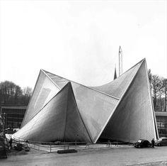 Fondation Le Corbusier - Réalisations - Pavillon Philips, exposition internationale de 1958