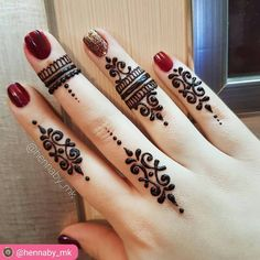 Henna design for fingers by @hennaby_mk ------------------------------------…