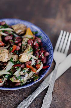 салат с красной фасолью и шампиньонами