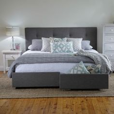 Georgia King Bed Frame with Storage Drawers Products 1825 interiors Room decor in 2019 Hello! Here we have nice wallpaper about king bed . Bed Frame With Storage, Bed Storage, Storage Drawers, Queen Beds With Storage, Bedroom Sets, Home Decor Bedroom, Bedroom Furniture, Furniture Nyc, Cheap Furniture