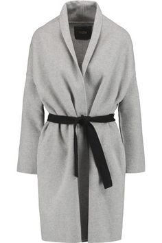 Fashion blog and american brand shop http://shop.trvl-blog.com. What to wear with grey coat. Styles, shoes, accessories. Grey coat 2016/2017. с чем носить серое пальто, серое пальто купить