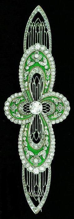 Art Deco diamond brooch featuring old European-cut diamonds, rose-cut diamonds and enamelling, ca.1900.
