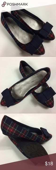 Chinese Laundry Plaid Flats with Bow Detail Please see photos .. super comfy Chinese Laundry Shoes Flats & Loafers