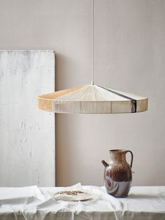 Diy Design, Lamp Design, Orange Furniture, Diy Furniture, Green Apartment, Pastel Designs, Luminaire Design, Black Lamps, Diy Hanging