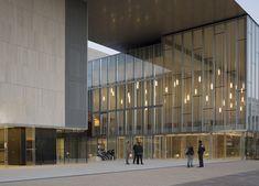 Les Quinconces Cultural Center,© Cécile Septet
