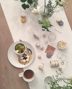 Frokost med @essiepolish og @mumbaistockholm #ellebeauty  via ELLE NORWAY MAGAZINE OFFICIAL INSTAGRAM - Fashion Campaigns  Haute Couture  Advertising  Editorial Photography  Magazine Cover Designs  Supermodels  Runway Models