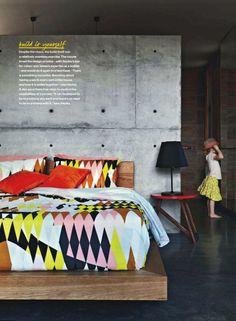 OMG, that bedspread.
