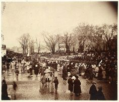 This photo was taken on March 1865 on the day Abraham Lincoln was inaugurated for a second time. A little over a month later, President Lincoln would American Presidents, American Civil War, American History, Captain American, Famous Presidents, American Soldiers, Early American, Presidential History, Presidential Inauguration