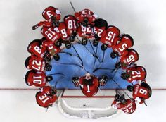 Women's Hockey Team Canada Gold in Sochi Olympics vs the USA Women's Hockey, Ice Hockey Teams, Hockey Games, Hockey Players, Hockey Party, Hockey Stuff, Baseball, Hockey Pictures, Team Pictures