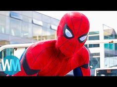 We just can't get enough of Spider-Man snatching Captain America's shield in Captain America: Civil War! SUCH A COOL SCENE! What's your favorite? Best Superhero, Superhero Movies, Tim Burton Batman, Dance Numbers, Captain America Shield, Batman Begins, Star Lord, Funny Vines, Guardians Of The Galaxy