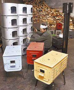 【小樽】小樽市豊川町の「薪(まき)ストーブの新保製作所」で今、カラフルに色付けされたまきストーブの製造がたけなわだ。 農漁業の作業場などで使われることが多かったまきストーブ。最近は、古民家に住む若者やアウトドアで使う人からの注文が増えてい...