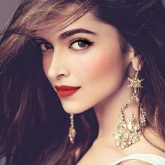 Deepika Padukone upcoming movies list is available here. And Love 4 Ever is the Deepika Padukone upcoming movie which will be released on this year. Bollywood Photos, Bollywood Girls, Bollywood Stars, Bollywood Fashion, Beautiful Bollywood Actress, Beautiful Indian Actress, Beautiful Actresses, Indian Celebrities, Bollywood Celebrities