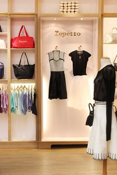 Unique Artisan in the world of Luxury and Ballet since the world of Repetto and the latest collections: shoes, dance, ready-to-wear, leather goods & fragrance Boutique Repetto, Ballet Shop, Dance Studio Design, Dance Store, Paris Shopping, Stand Design, Ready To Wear, Ballet Skirt, Feminine