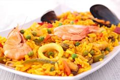 Paella with Thermomix Arroz Risotto, Quinoa, Cooking Pork Chops, Seafood Paella, Cold Appetizers, Warm Food, Cooking Turkey, Slow Food, Cold Meals
