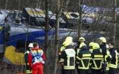 Choque de trenes en Alemania dejó al menos 8 muertos y 100 heridos