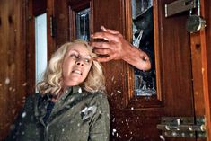 Jamie Lee Curtis on the new 'Halloween' movie where she's the one hunting Michael Myers. Welcome to the age of big-box-office post-trauma horror. New Halloween Movie, Halloween Stories, Halloween 2018, Jamie Lee Curtis Halloween, Slasher Movies, Silly Memes, Michael Myers, Good Habits, Revenge