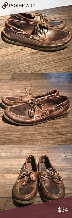 Sperry Top-Sider Boat Shoes Sperry Top-Sider Boat Shoes. Dark Mahogany boat shoes with no tears. Soles show hardly any sign of wear. Some dirt along edges. no insoles. Maybe you don't have a boat yet, but buying these Sperries will get you one step closer. Enjoy! Sperry Shoes Boat Shoes