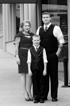 Copyright MelynaFangPortraits.com, please share, but do not use or alter without permission.  #vintagefamilyphotography #pin-upphotographer #uniquefamilyphotos #NorthPhoenixPhotographer