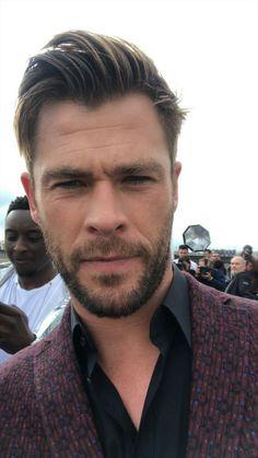 Snowwhite And The Huntsman, Film Star Trek, Hemsworth Brothers, Chris Hemsworth Thor, Australian Actors, Joe Jonas, Chris Pratt, People Magazine, Attractive Men