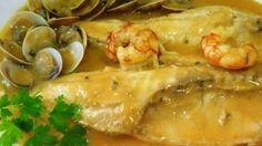 LUBINA EN SALSA DE GAMBAS (12) Pescado Salmon, Chefs, Tapas, Seafood Recipes, Shrimp, Meat, Chicken, Brie, Gastronomia