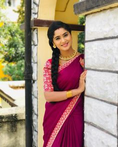 Teju dear so cute😘😘😘🤗🤗🥰🥰🥰 Beautiful Girl Indian, Beautiful Saree, Beautiful Indian Actress, Beauty Full Girl, Cute Beauty, Beauty Women, Long Hair Ponytail, Curly Hairstyle, South Indian Actress Hot