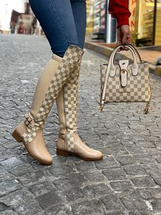 Lv Boots, Cute Shoes Boots, Gucci Boots, Hot Shoes, Bootie Boots, Shoe Boots, Shoe Bag, Botas Louis Vuitton, Gucci Handbags Outlet