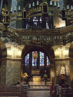 Interior of the Palatine Chapel Aachen Cathedral Germany by Jim Linwood. Early Medieval chapel is the remaining component of Charlemagne's Palace. Aachen Cathedral, Cathedral Church, Palatine Chapel, Medieval, Les Religions, Sacred Architecture, Unique Buildings, Sense Of Place, Historical Images
