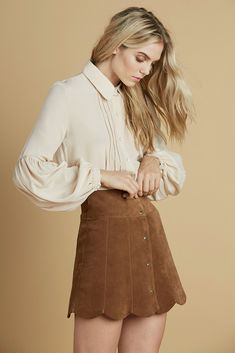 Marcia Suede Petal Skirt in Brown 60s And 70s Fashion, Vintage Fashion, Vintage Style, Office Outfits, Office Wear, Sexy Blouse, Yes To The Dress, Office Fashion, Fashion Outfits