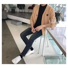 Korean Outfits, Trendy Outfits, Cool Outfits, Fashion Outfits, Fashion Shirts, Older Mens Fashion, Korean Fashion Men, Korean Men, Style Masculin