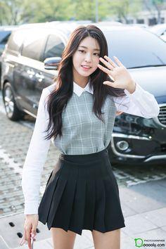 AOA SeolHyun Streetstyle