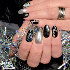LoveNess Ink Black and Fancy. #nails #nailswag #nailpro #nailstyle #instanails #nailsoftheday #nailsonfleek #nailart #naildesign #nailaddict #nailsoftheday #lovenails #loveness #nail #nailpro #gelpolish #gellak @bibisnaildesign