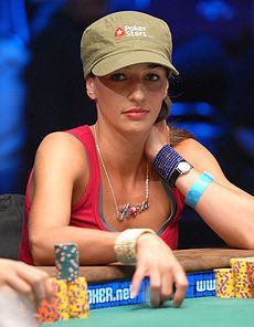 Kara Scott aux World Series of Poker 2008 Best way to make money with poker on auto pilot: http://poker-bots.net/go/shankybot.php
