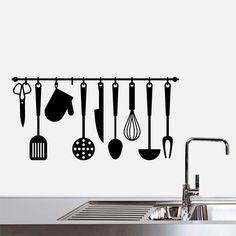 Vinilo decorativo de utensilios de cocina colgando. Un vinilo muy original para dar alegría y color en tu cocina.